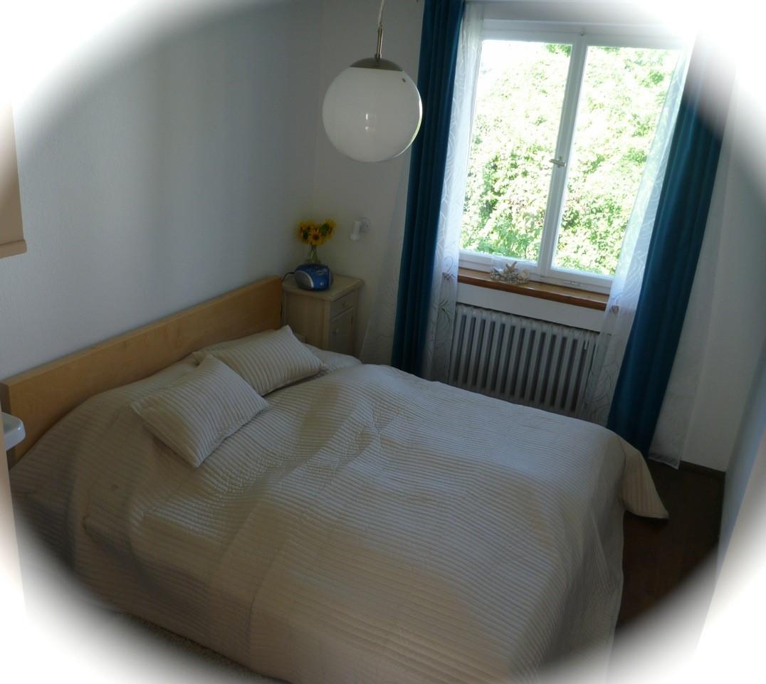 schlafzimmer 12 qm einbauschr nke schlafzimmer design ideen m cken im bek mpfen flanell oder. Black Bedroom Furniture Sets. Home Design Ideas
